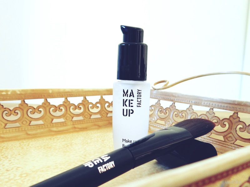 make up base auftragen