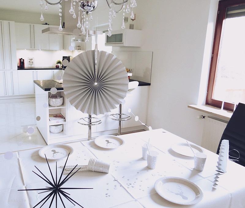 girlanden deko silvester neujahr party unalife. Black Bedroom Furniture Sets. Home Design Ideas