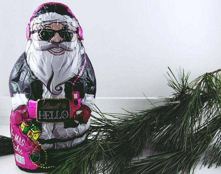 weihnachtsmann schoko lindt hello