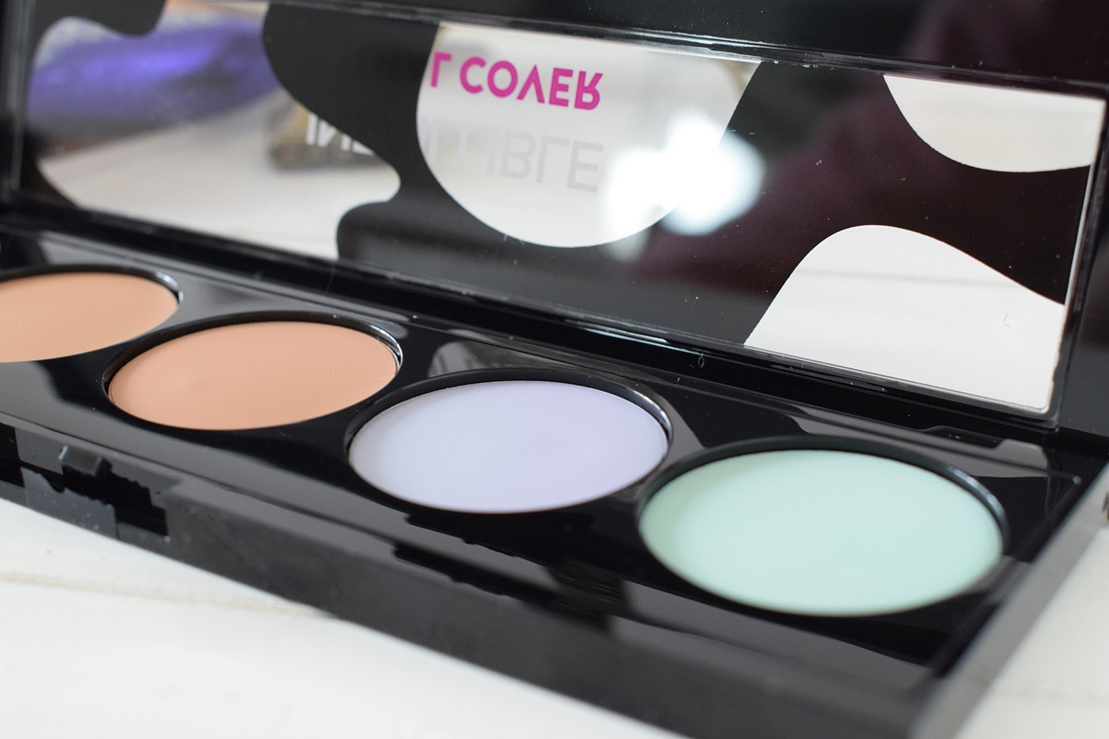 Loreal Infaillible Total Cover Concealer Palette