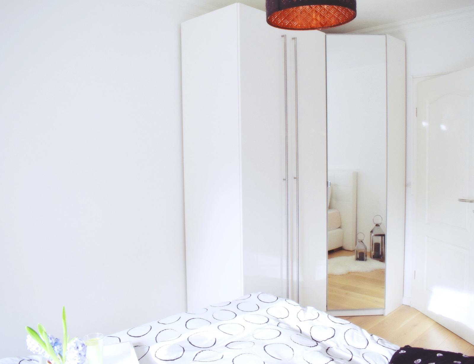 Eckschrank im Schlafzimmer