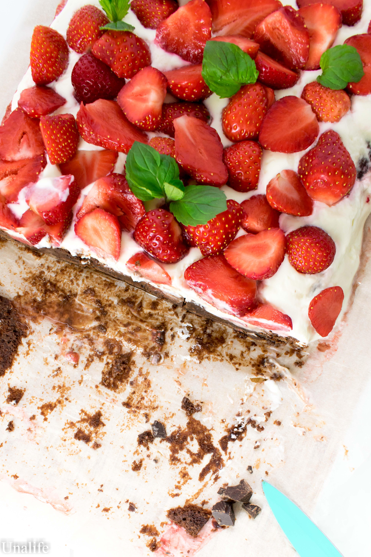 Brownie mit Erdbeeren