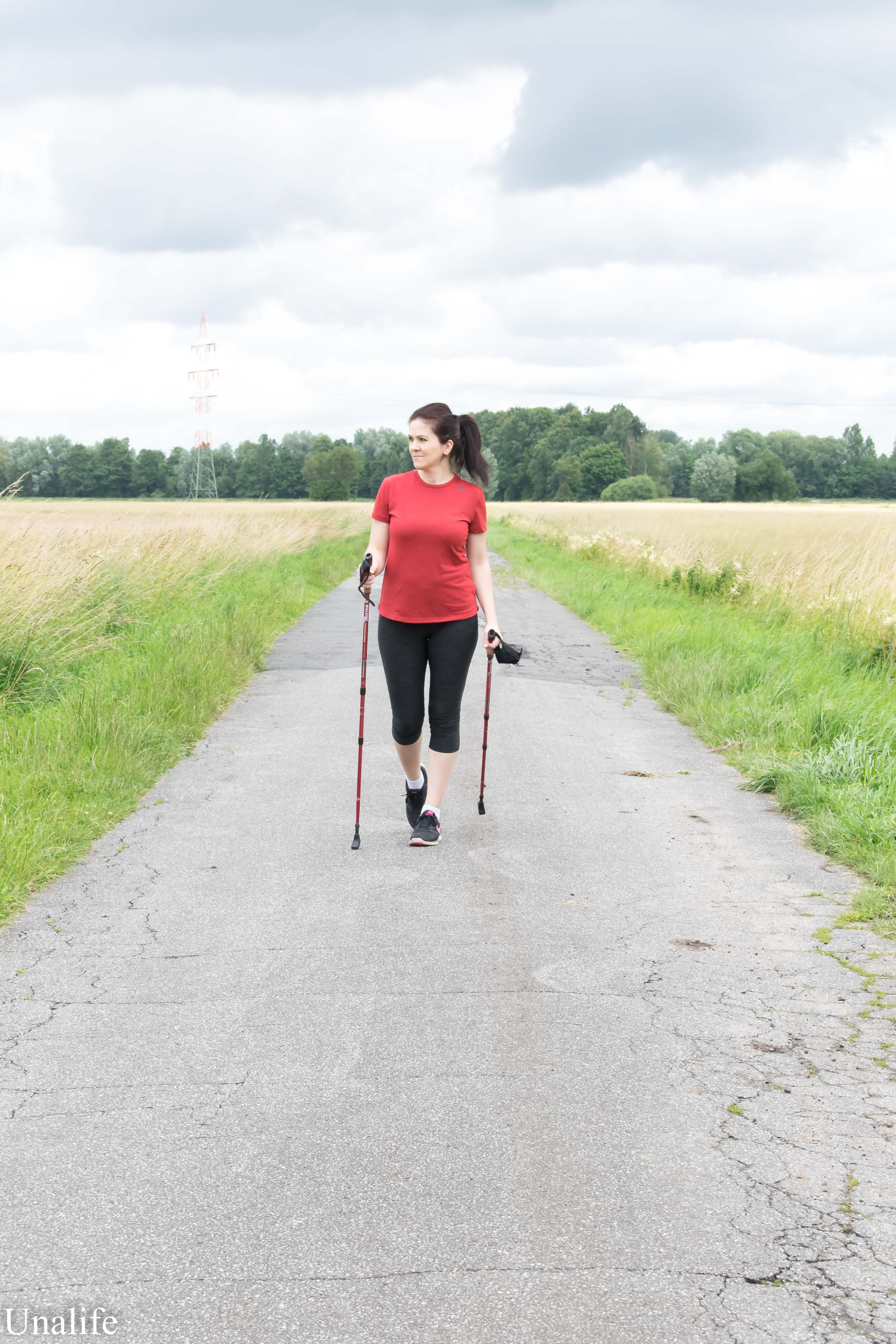 10.000 Schritte am Tag Nordic Walking