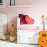 Pastellfarben im Kinderzimmer, Ikea HEMNES & Suche nach dem ausgefallenen Bücherregal