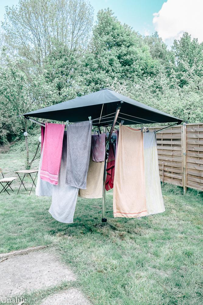 Wäschespinne mit Schirm