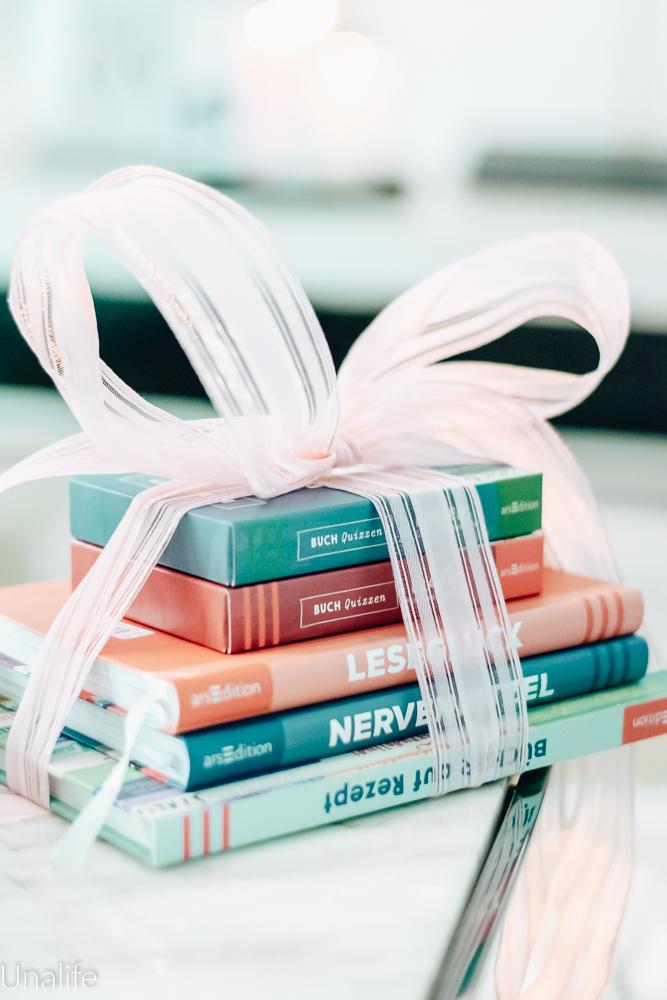 Gewinnspiel Paket Bücher