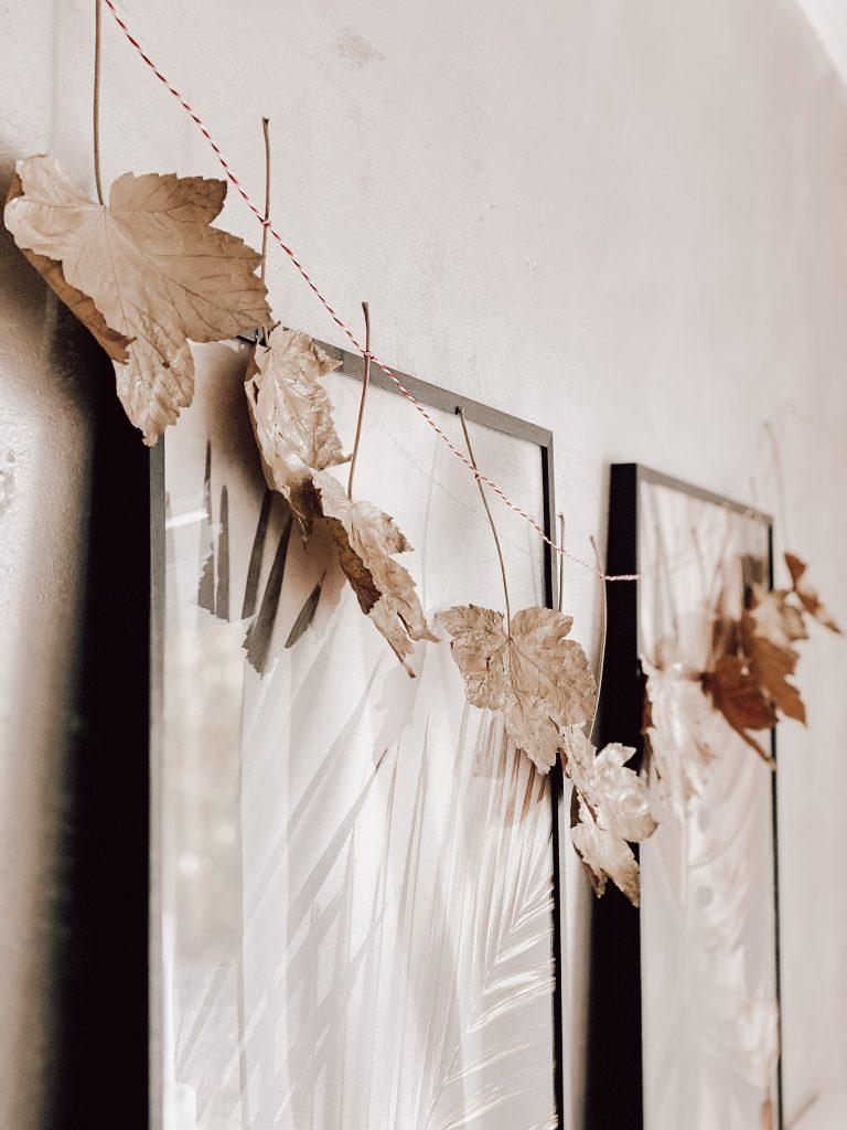 Girlande aus Blättern